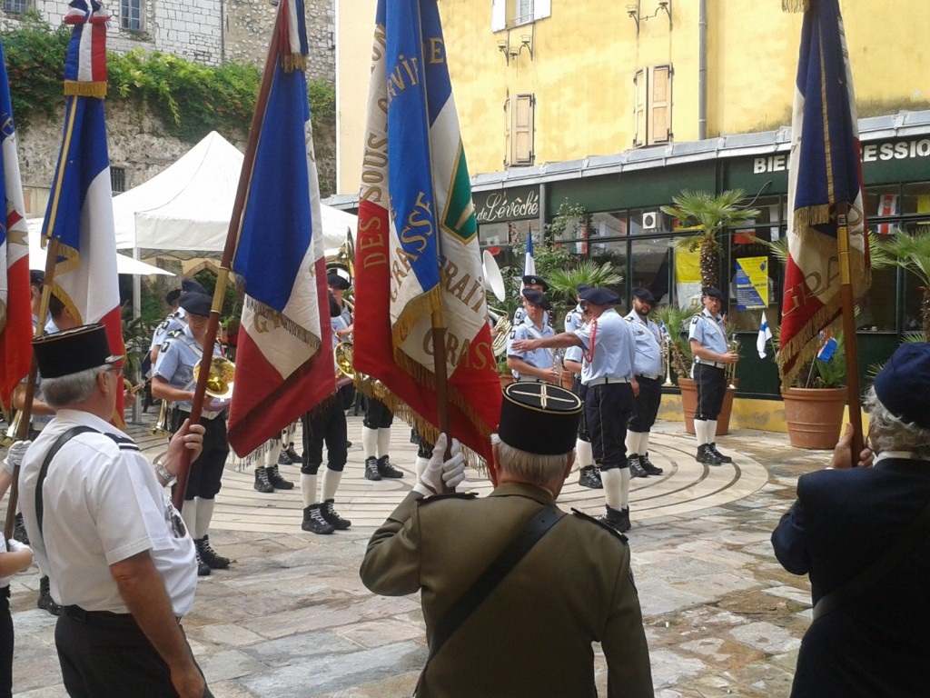 Commémoration du centenaire du début de la Grande Guerre avec la participation de la fanfare des chasseurs alpins, à la Place de l'Evêché