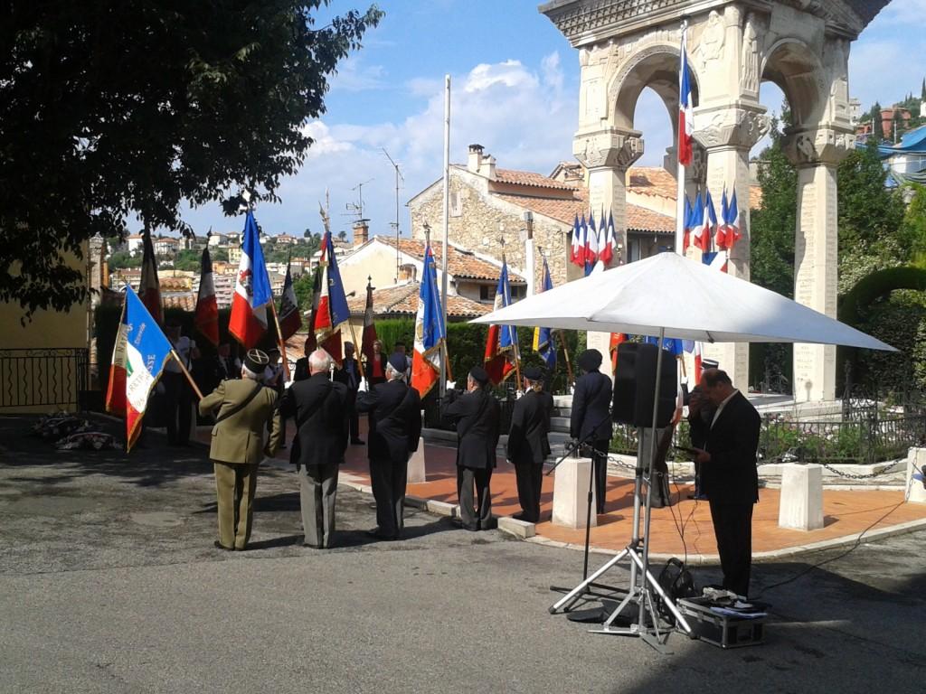10h00 à la Place du Petit Puy au Monument aux Morts pour honorer la Mémoire des Morts pour la France en Indochine
