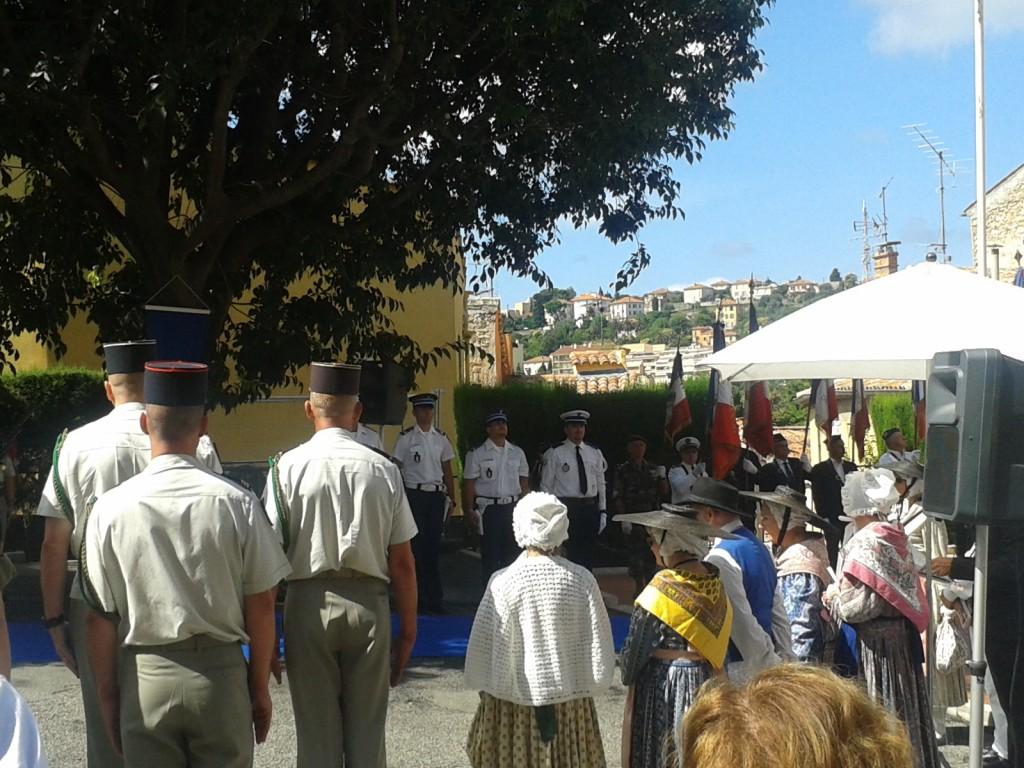 Place du Petit Puy - 11h - Cérémonie du 14 Juillet 2014 à Grasse
